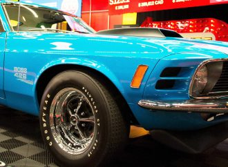 Grabber Blue Mustang Boss 429 leads Mecum's Chicago auction