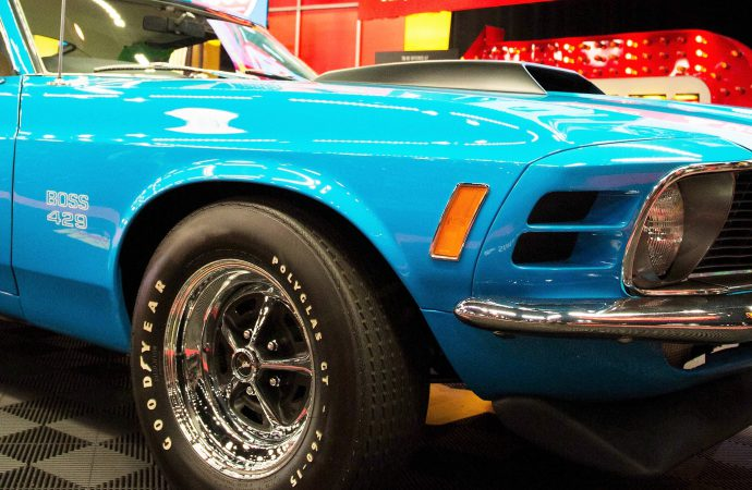 Grabber Blue Mustang Boss 429 leads Mecum's Chicago auction