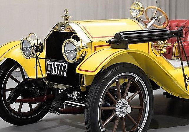 1914 Stutz Bearcat replica by George Barris