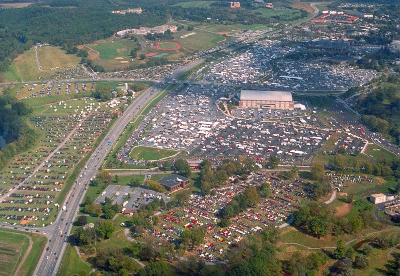 Sprawling Hershey Collector Swap Meet Car Show This Week - Aaca car show