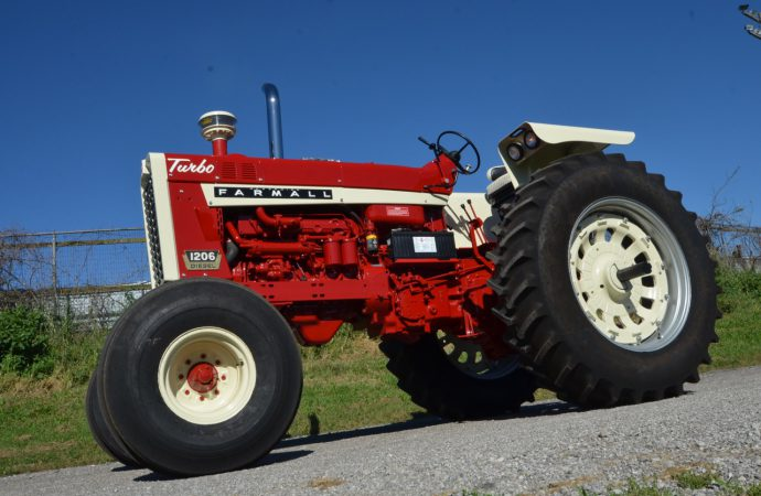 Tractors, toys and more at Gone Farmin' auction in Iowa