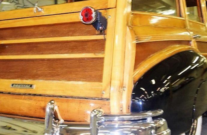 1948 Pontiac Silver Streak woody wagon