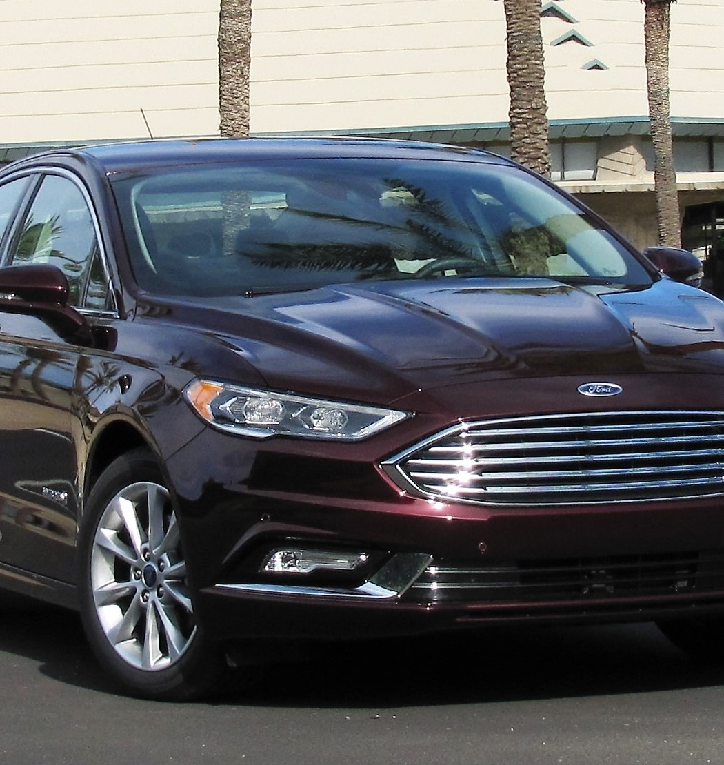 driven 2017 ford fusion hybrid sedan journal. Black Bedroom Furniture Sets. Home Design Ideas
