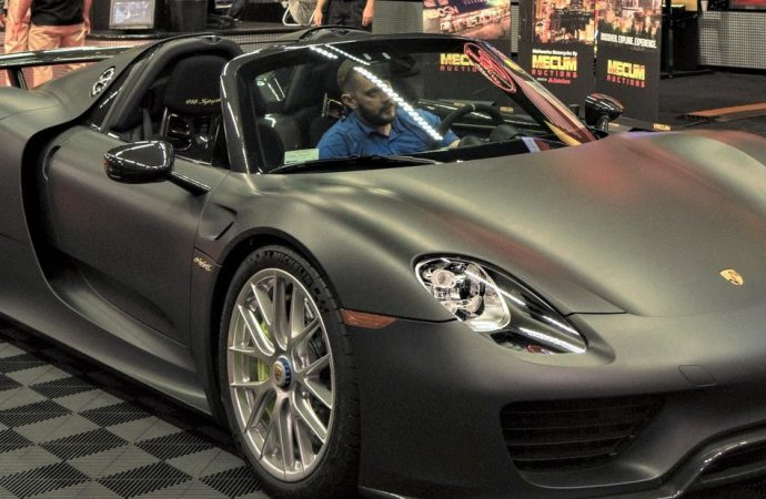 Unique Porsche 918 Spyder leads Mecum in Anaheim