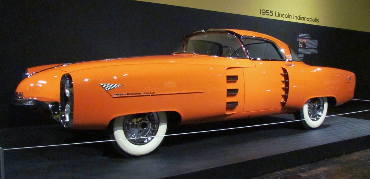1955 Lincoln Indianapolis concept car at the Frist exhibit