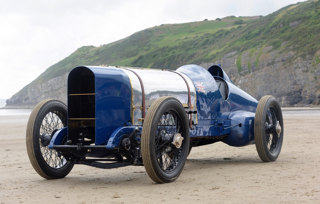 350-horsepower Sunbeam photographed on Pendine Sands | Beaulieu museum photos