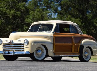 Countdown to Barrett-Jackson Scottsdale 2017: 1946 Ford Sportsman convertible