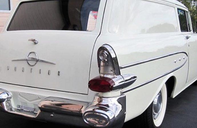 1957 Pontiac Pathfinder sedan delivery