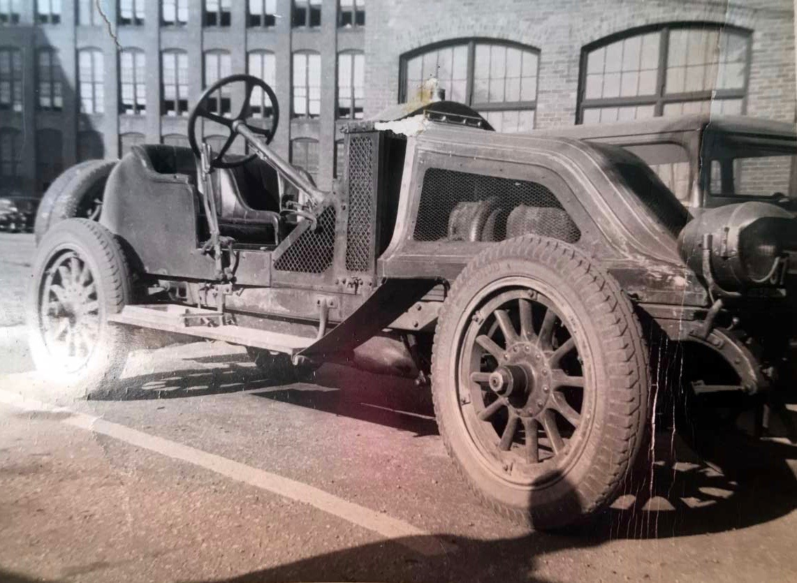 1907 Renault was one of the cars ordered byWilliam K. Vanderbilt   Simone museum photo