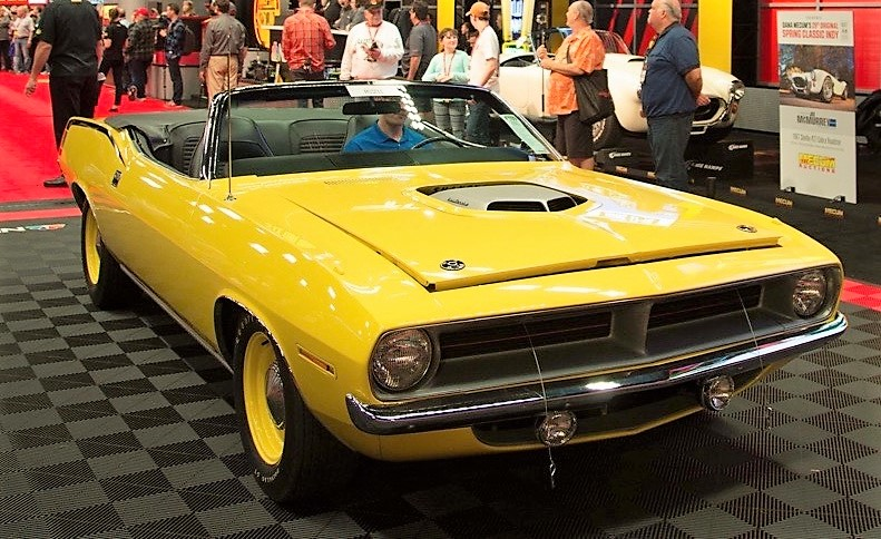 This 1970 Plymouth Hemi 'Cuda convertible sold for $2,675,000 | Mecum