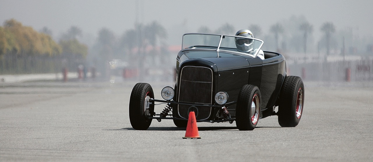 Don Prieto's Deuxus combines '32 Ford with Lexus V8 powertrain | Larry Crane photos