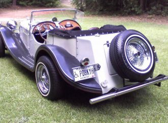 My Classic Car: Roddy's 1937 Jaguar replica