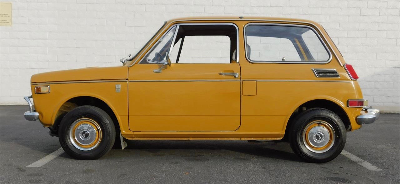 Air-cooled motorcycle engine propels Honda N600 to speeds of 75 mph