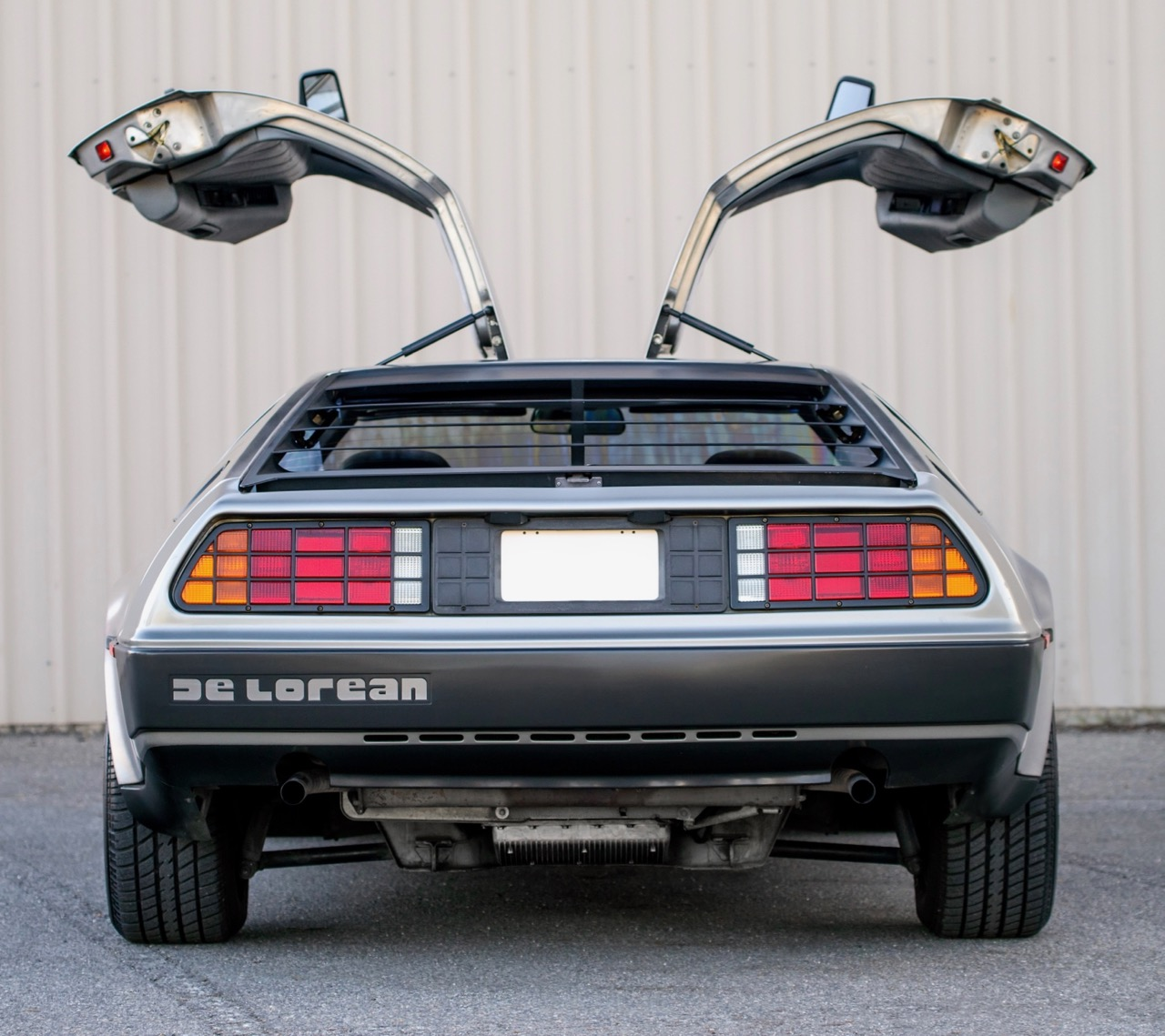 Auto experts pick 'Back to the Future' DeLorean as No 1 movie car | HPI Valuations photos