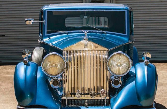 'Painter laureate' Rolls-Royce on Aussie auction docket