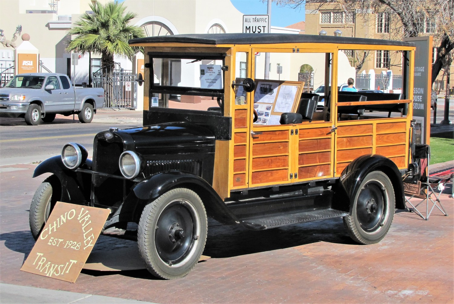 , 'Motoring thru Time' presents history on a roll in Phoenix, ClassicCars.com Journal