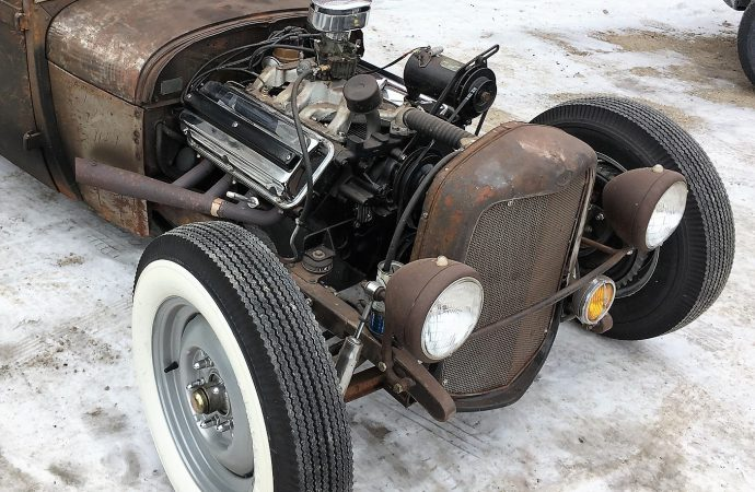 Inaugural Polar-Rama puts hot rods on ice in Wisconsin