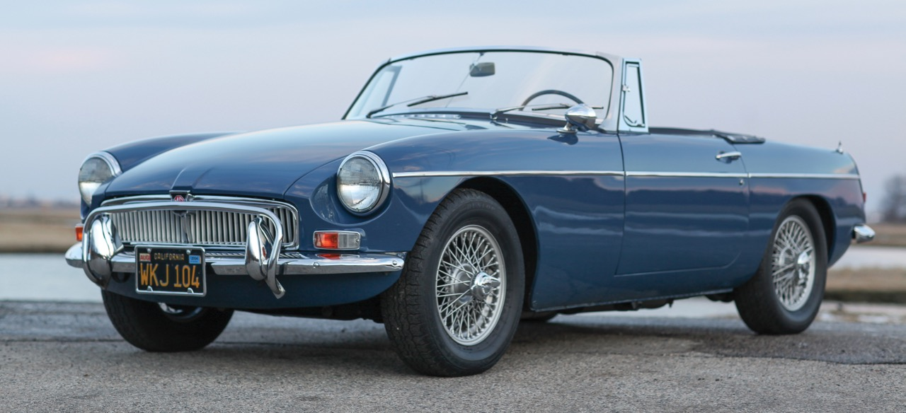 1967 MGB sells for $38,500 on Amelia Island | RM Sotheby's photo by Darin Schnabel