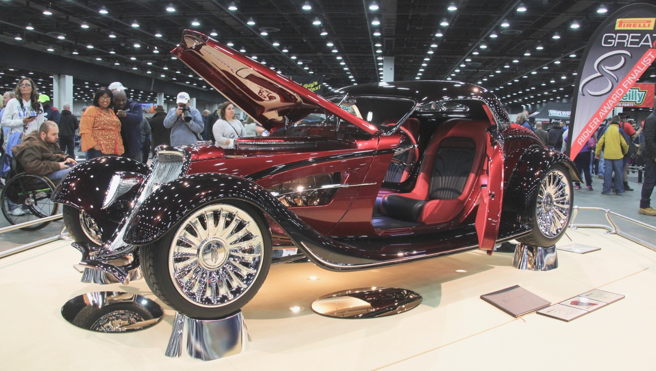The Renaissance Roadster wins the Ridler Award at the 65th Detroit Autorama | Margaret Hehr