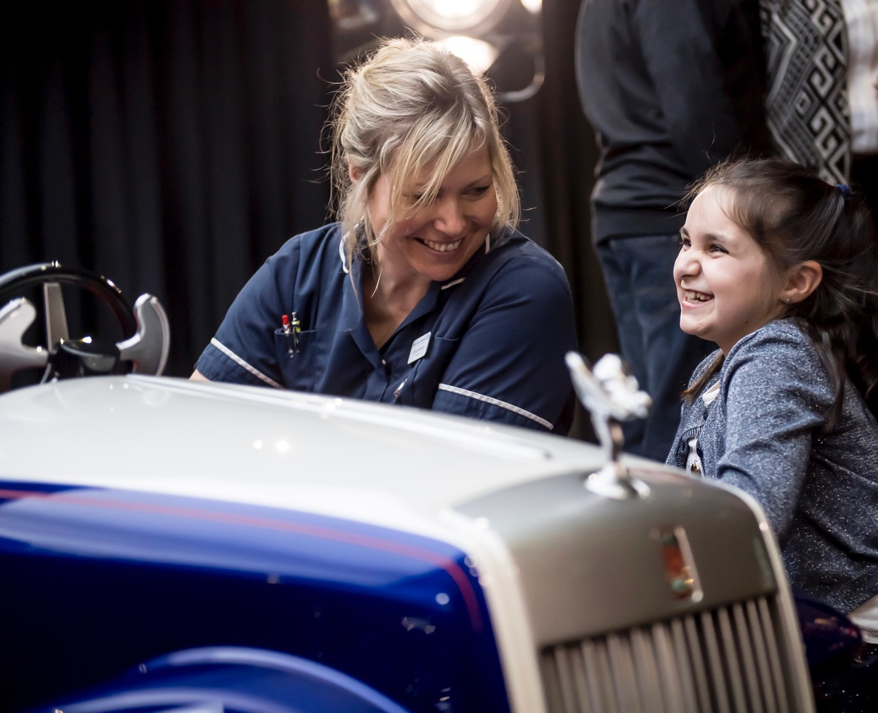 Rolls-Royce staffer introduces Molly Matthews to the SRH