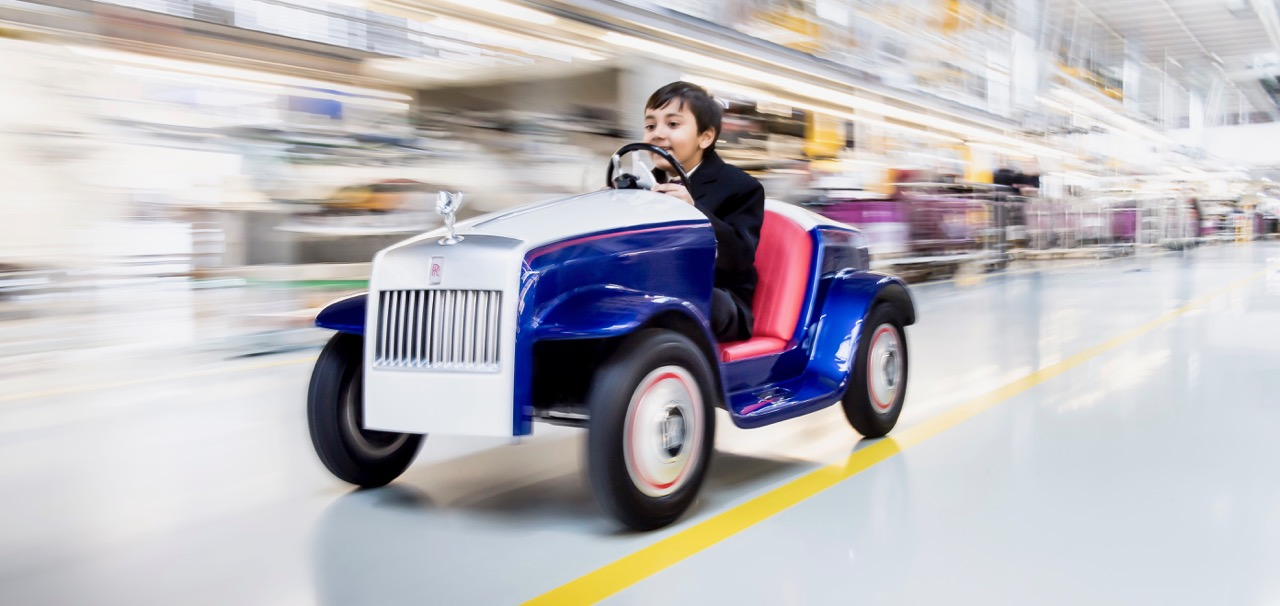 Hari Rajyaguru takes the SRH for a test drive in the Rolls-Royce assembly plant | Rolls-Royce photos by James Lipman