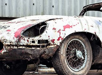 Yet another decrepit barn-find E-type to be auctioned
