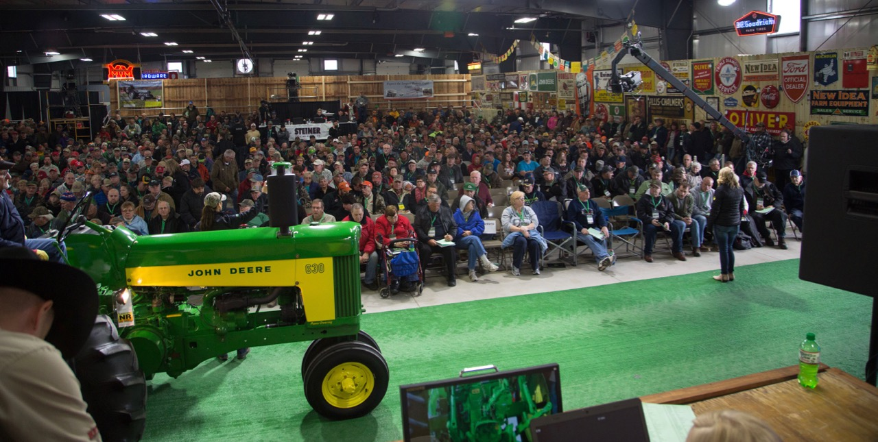 A vintage John Deere rolls onto the block at Gone Farmin' auction | Mecum Auctions photos