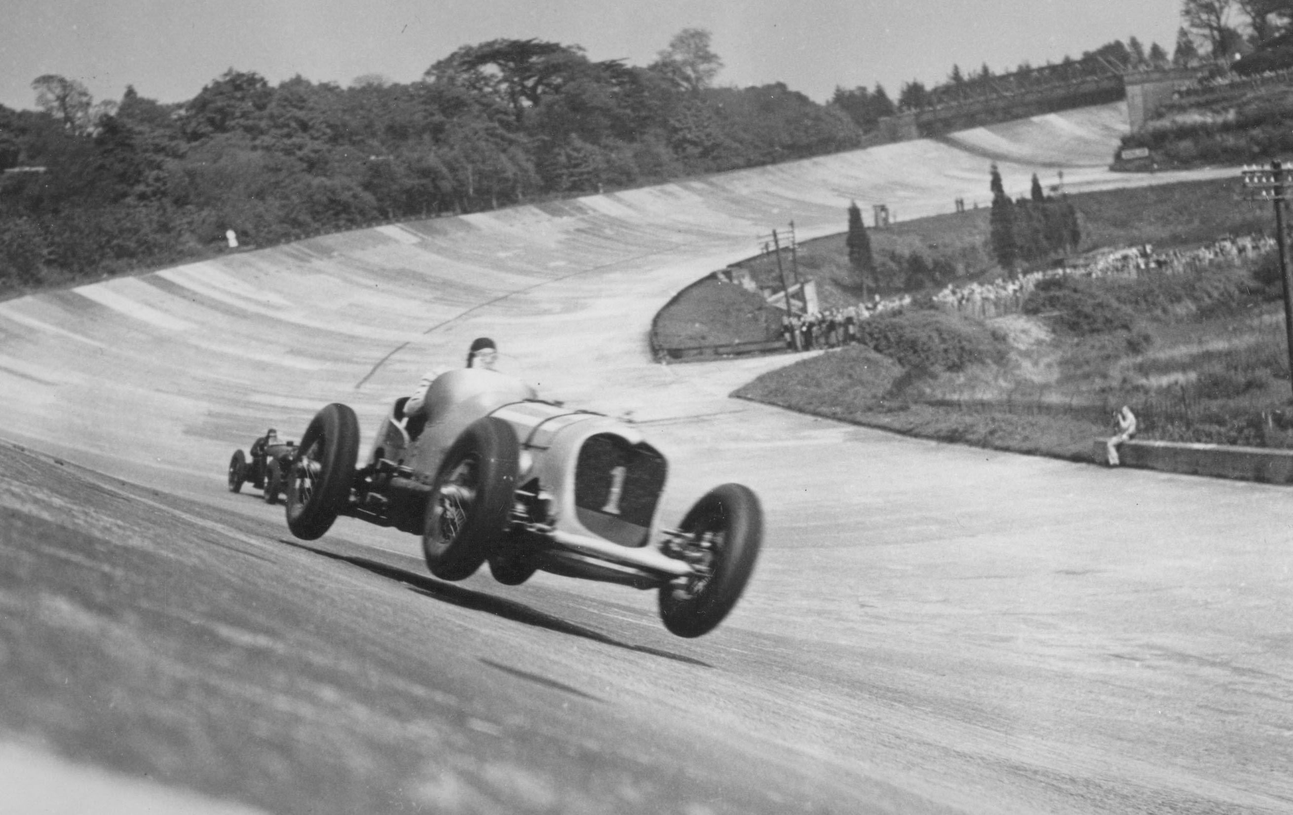 John Cobb drives the Napier_Railton on a record run at Brooklands