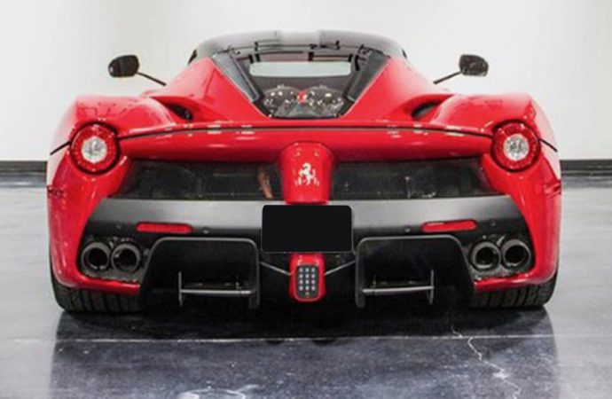 LaFerrari helps Leake post $10.3 million at Dallas auction