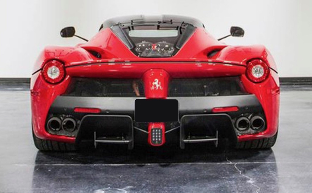 LaFerrari sells for a Leake Auction-record $3.7 million | Leake photos
