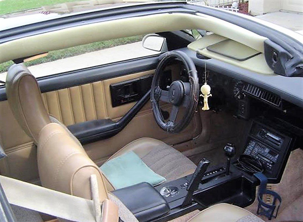 The interior looks good considering the Camaro's age and mileage