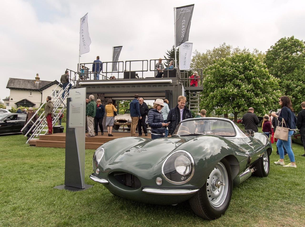Cool cats: 1,200+ Jaguars gather at Windsor Castle - ClassicCars.com ...