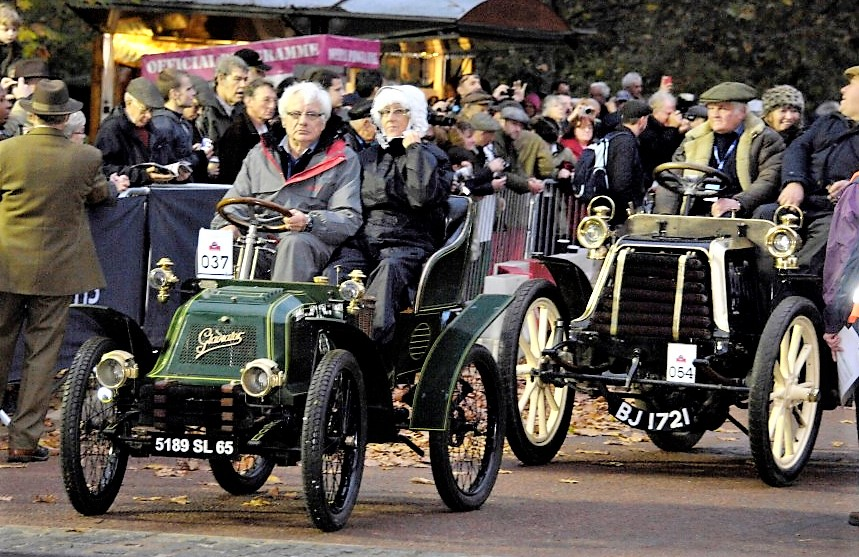 Crowds gather to watch the Veteran Car Run entries | Howard Koby