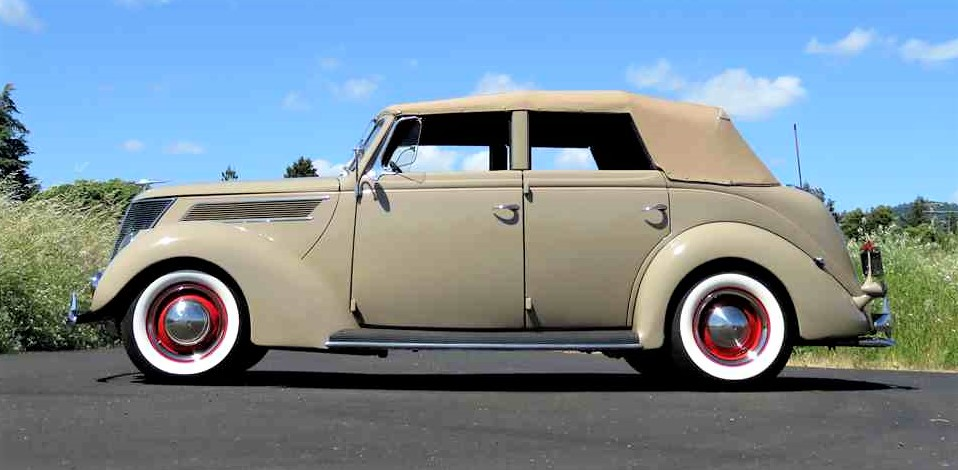 Four-door convertibles were popular in the 1930s
