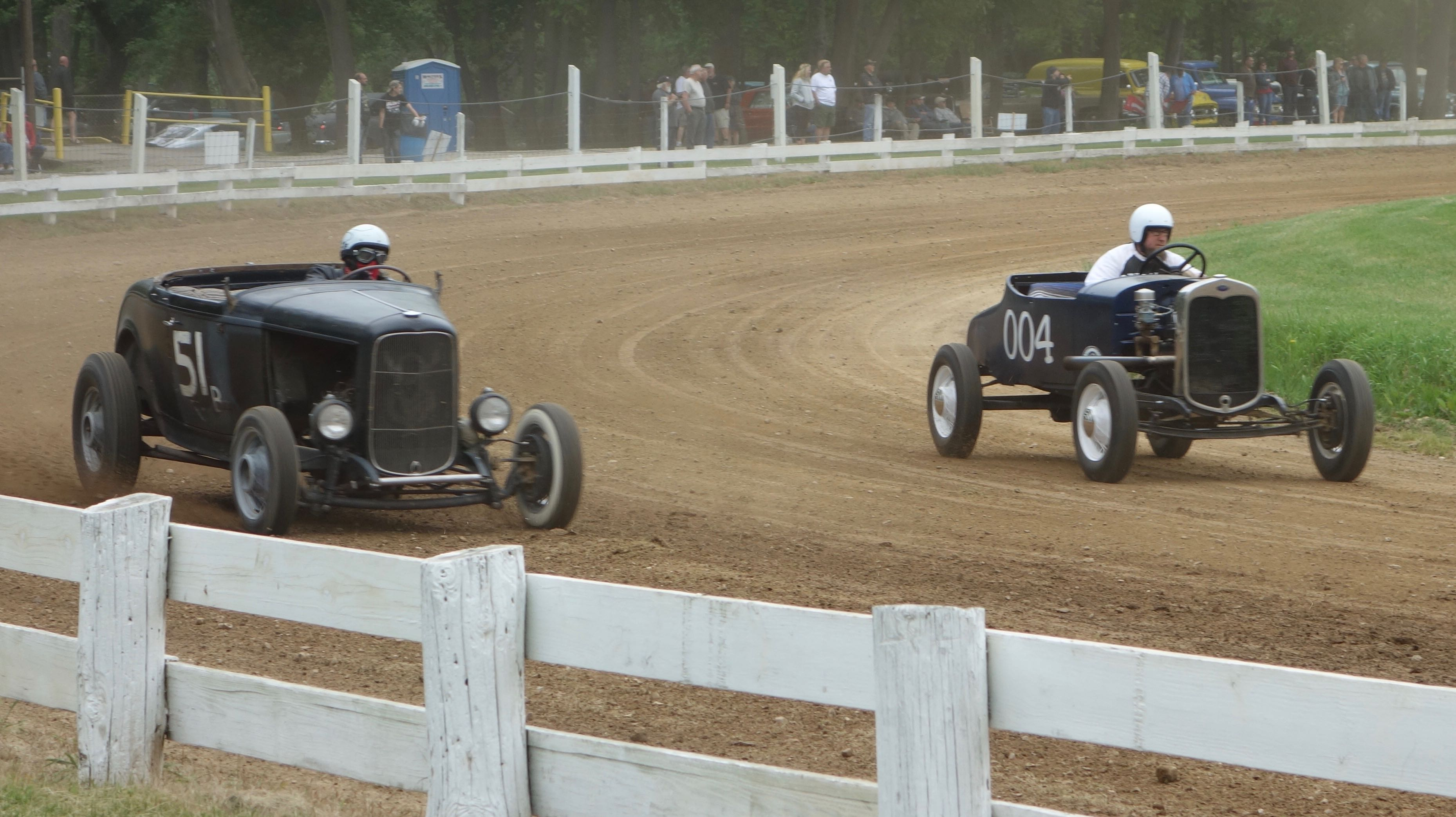 In a throwback to a bygone era, jalopies race around Latimore Valley Fairgrounds track | Andy Reid photos