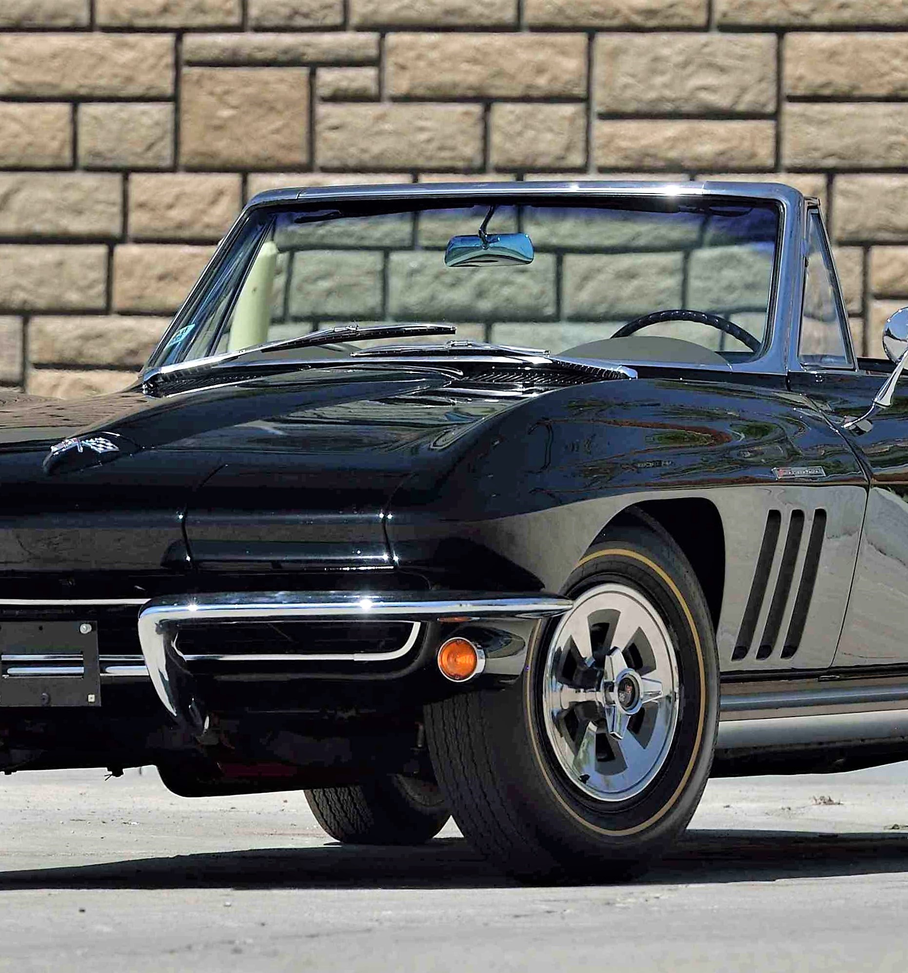 Hot Corvettes Camaros Star At Mecum S Portland Auction Classiccars Com Journal