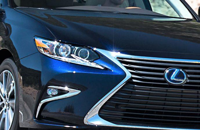 Driven: 2017 Lexus ES 300h sedan