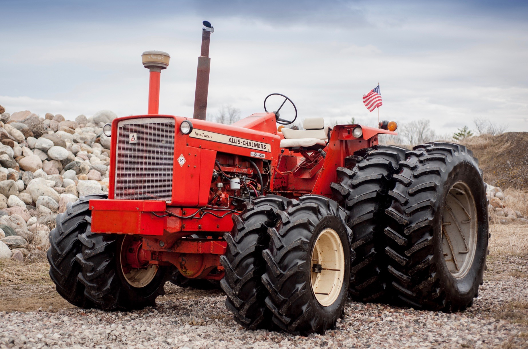 1970 Allis-Chalmers 220 tractor brings $75,000 (Canadian dollars) | Mecum Auctions photo