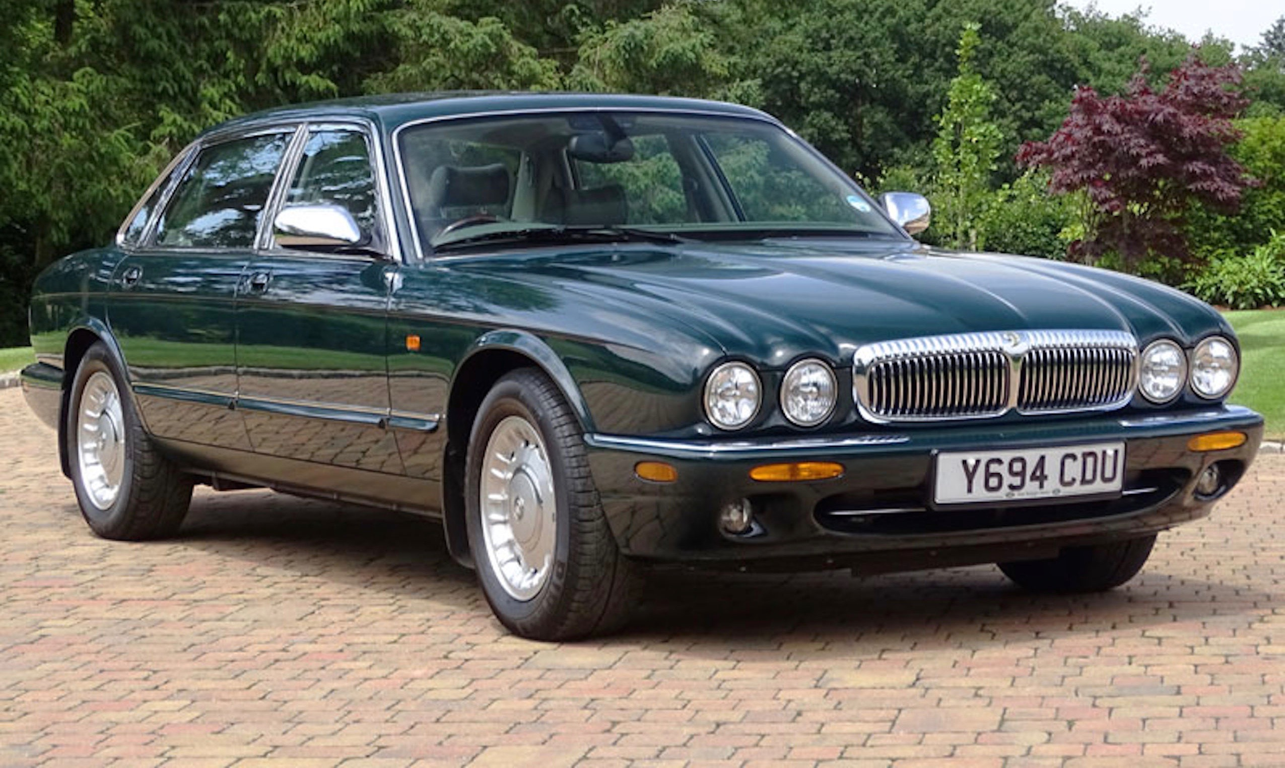 2001 Daimler Majestic was specially produced for Queen Elizabeth II | H&H Classics photo