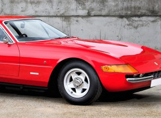Elton John-owned Ferrari Daytona in Silverstone auction