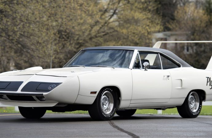 Winged Mopars lead $20 million Mecum auction in Harrisburg