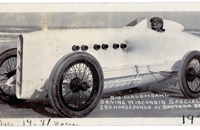 Sig Haughdahl sets land-speed record