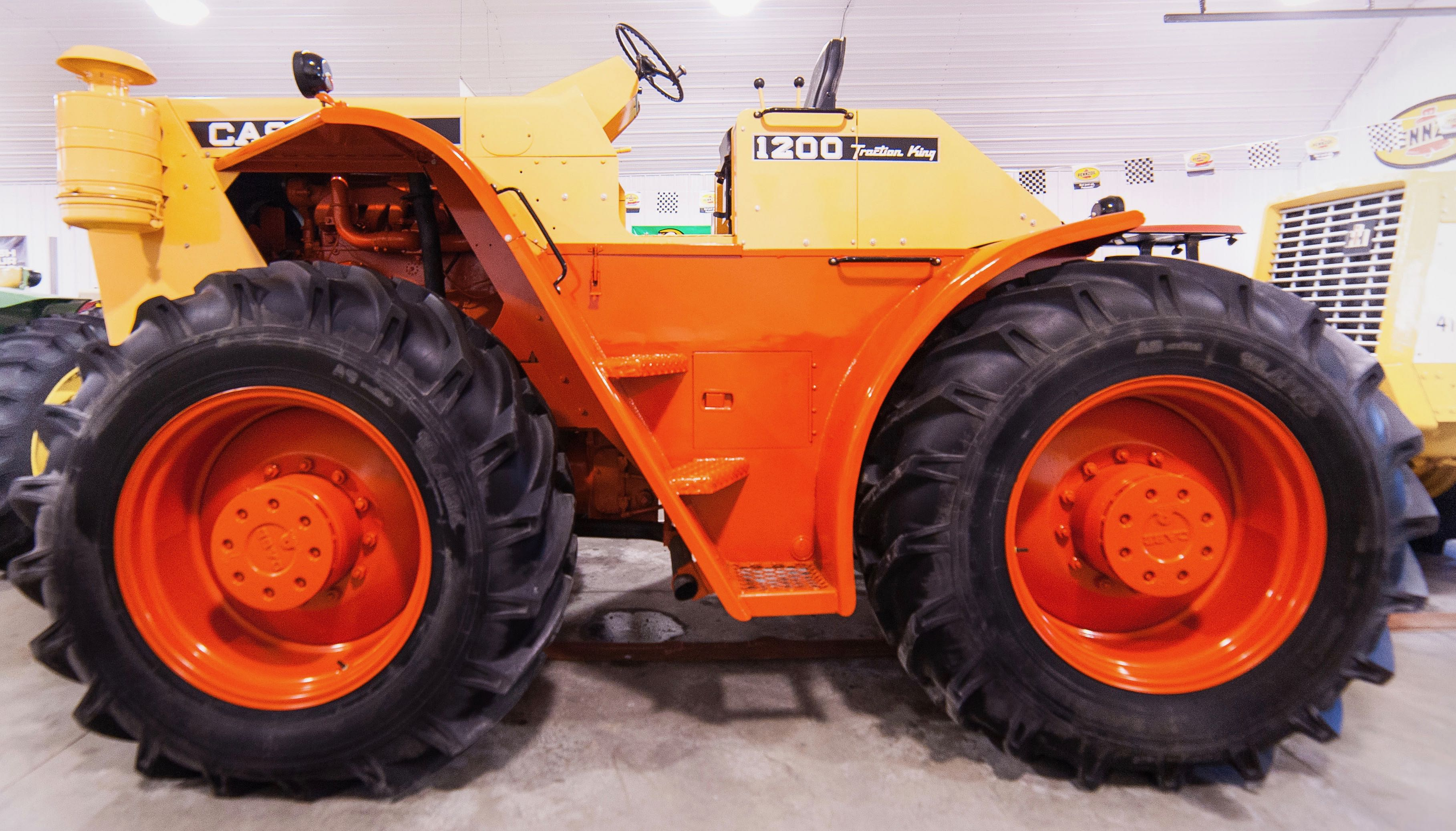 1966 Case 1200 Traction King among the lots at Back Forty museum auction | Mecum Auctions photos