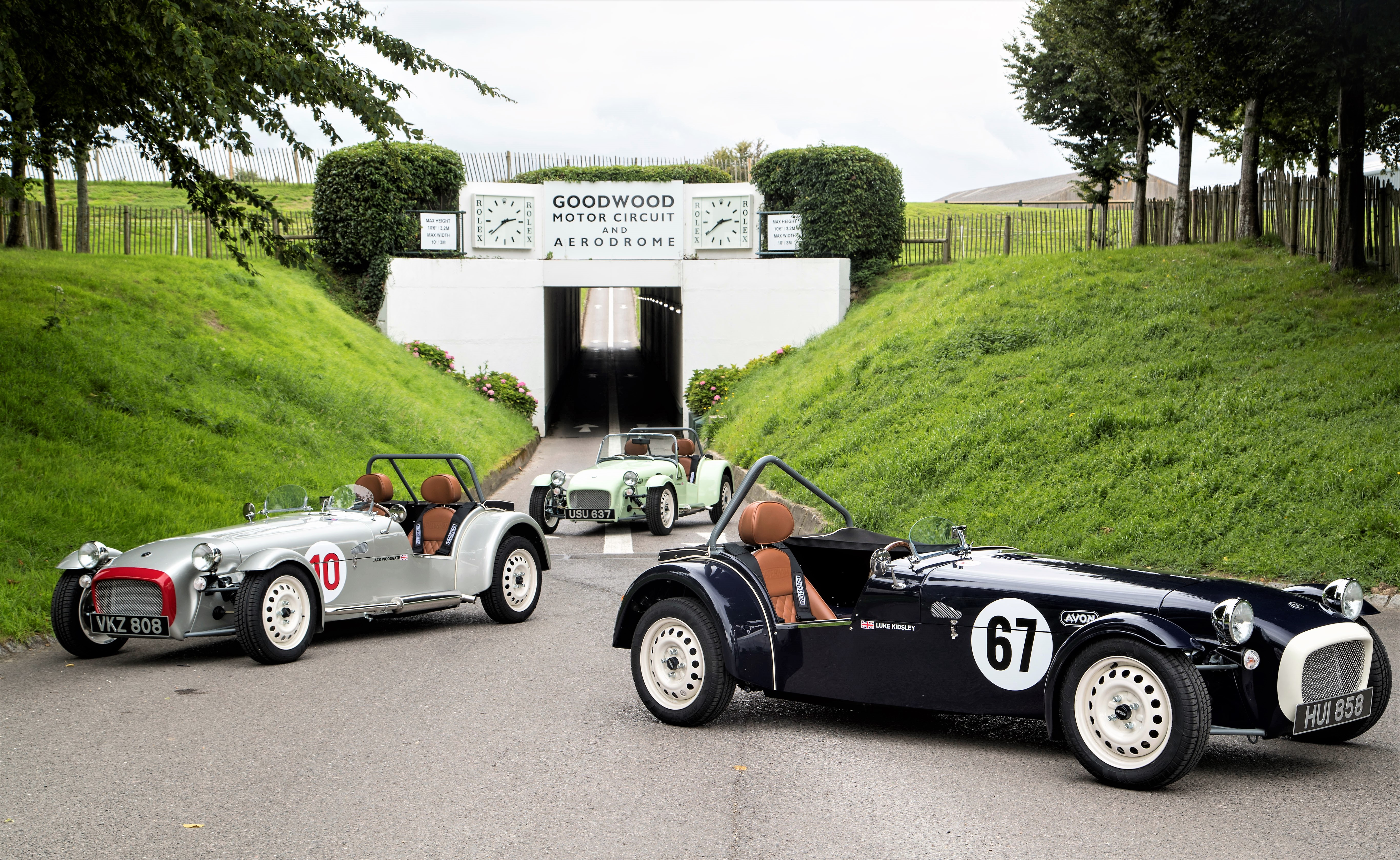 , Caterham unveils 'retro-soaked' Seven SuperSport limited edition, ClassicCars.com Journal