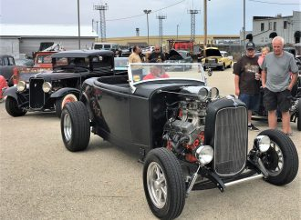 Cheaterama holds the line on hot rod tradition in Milwaukee