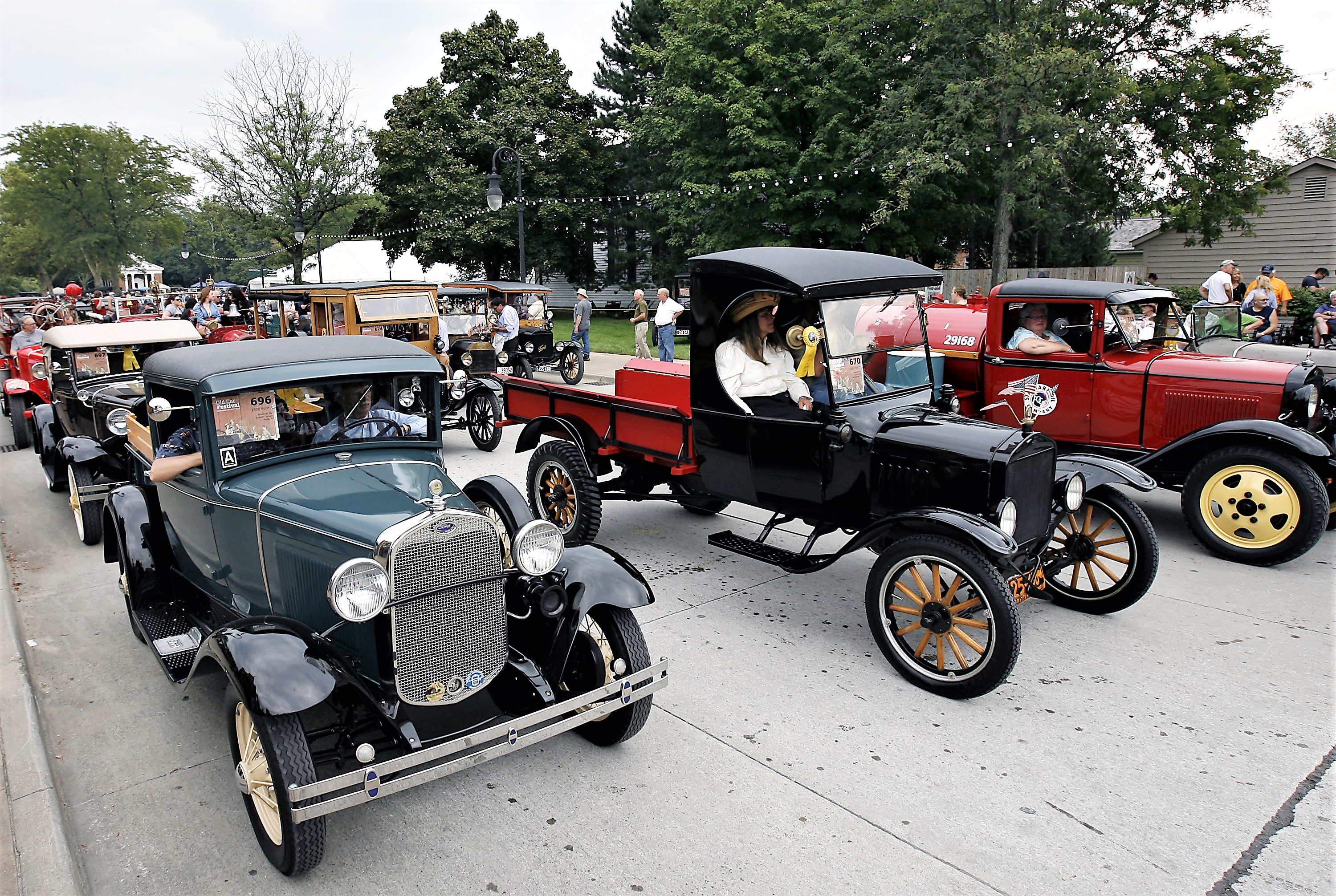 Old Car Festival, splendor in France, and new upcoming events ...