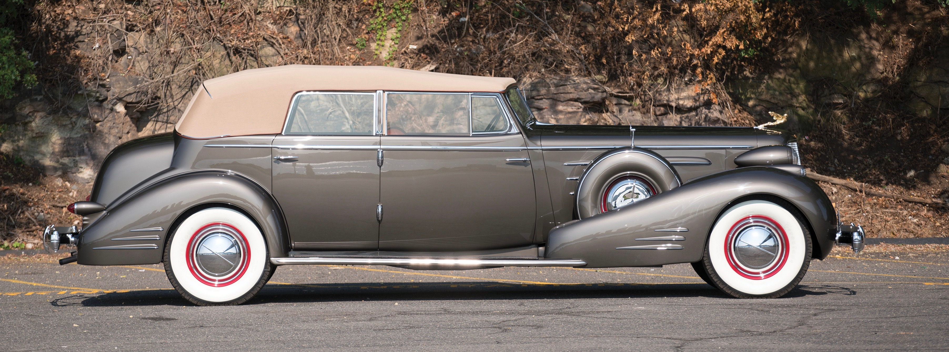 Chicago museum\'s V-16 Cadillac headlines RM Sotheby\'s Hershey sale ...