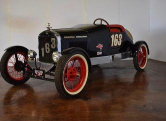 When Chevrolet made Ford a better car for racing