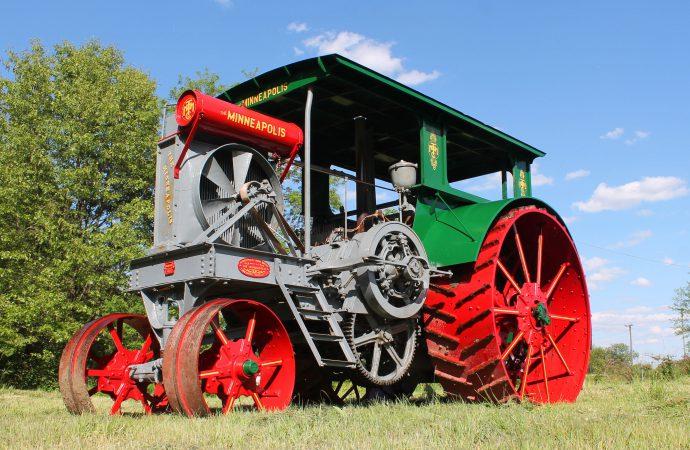 Mecum's Gone Farmin' readies for its largest vintage tractor auction