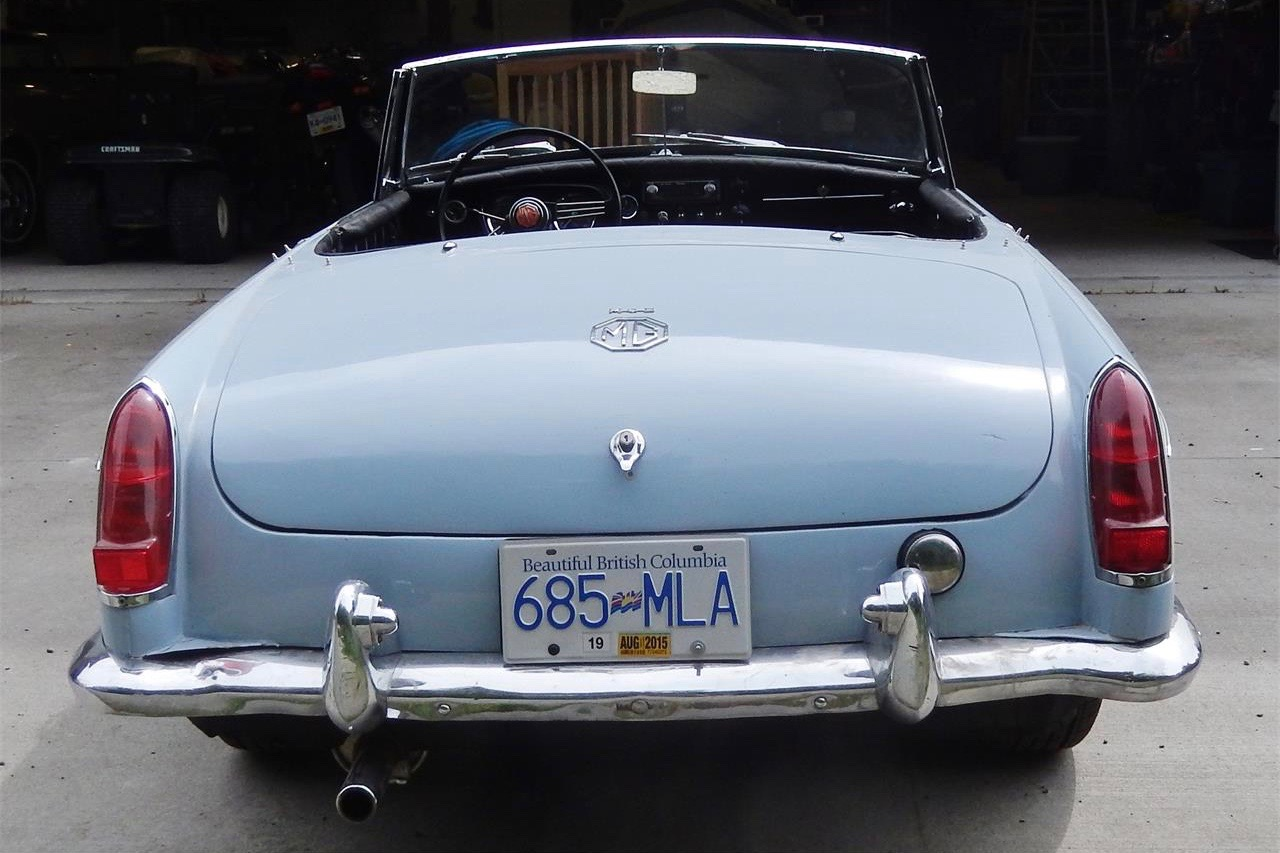 Restored MGB seems ideal for someone\'s first classic | ClassicCars.com